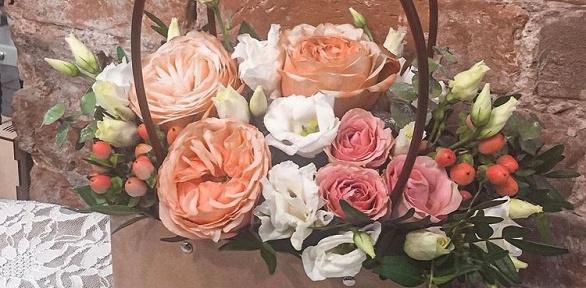 Цветочная композиция вконверте, корзинке или подставке