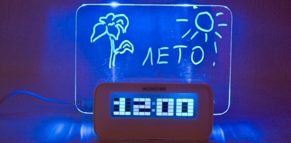 Светящиеся часы-будильник сфлуоресцентной LED-доской для записей
