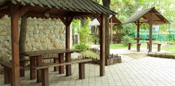 Отдых спроживанием, посещением бани в комплексе «Вайцеховский исын»