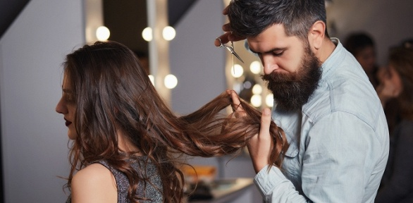 Стрижка, окрашивание, полировка, завивка, ботокс волос всалоне «Мак»