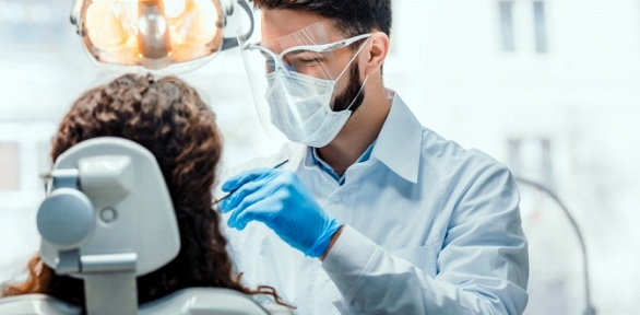 УЗ-чистка, удаление зуба встоматологической клинике Mig Dent