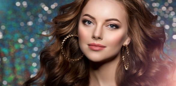 Стрижка, окрашивание или плетение кос всалоне красоты «Мир красоты»