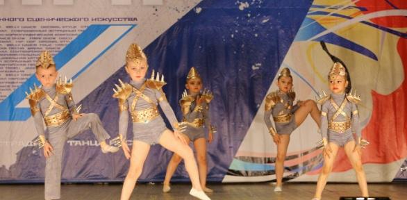 1или 2месяца занятий втанцевальной школе-студии Evita