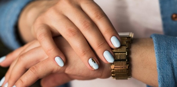 Маникюр ипедикюр спокрытием гель-лаком или без встудии красоты LaVanda