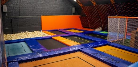 Безлимитное посещение батутной арены вбатутном парке Easyfly