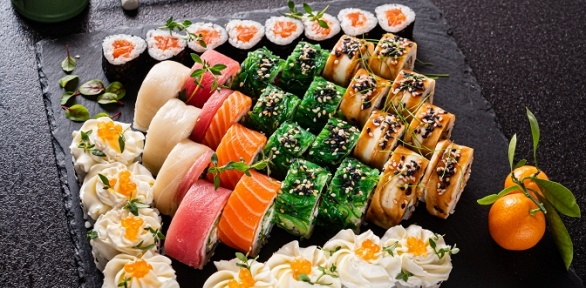 Суши, роллы ипицца отслужбы доставки Sushi You заполцены
