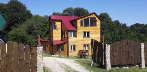 Отдых вномере или домике вспортивно-туристическом комплексе «Нежный»