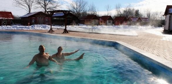Отдых спосещением термальных бассейнов вусадьбе «Золотой ключик»