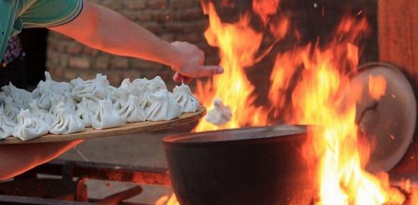 Блюда инапитки вгрузинском ресторане «Хинкали &Вино»