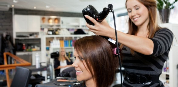 Стрижка, укладка, окрашивание, ботокс для волос всалоне красоты Woman