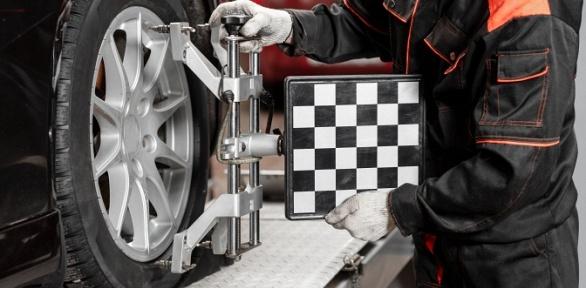 Регулировка развала-схождения автомобиля всервисе «Свой автосервис»