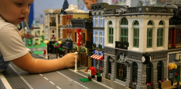 2или 3часа посещения лего-комнаты «Легоза»