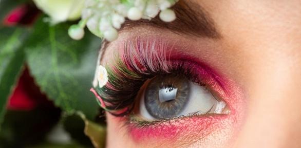 Наращивание ресниц всалоне красоты Headline Beauty Studio