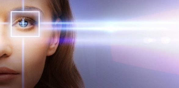 Лазерная коррекция зрения наоба глаза вмедицинском центре «Офтальмос»