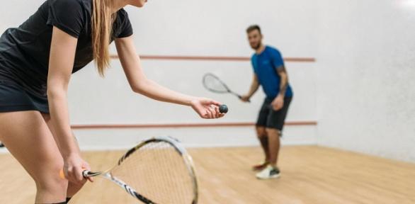 Игра всквош для детей ивзрослых стренером вклубе Squash People