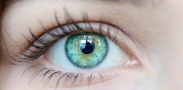 Лазерная коррекция зрения двух глаз вцентре «Офтальмос»