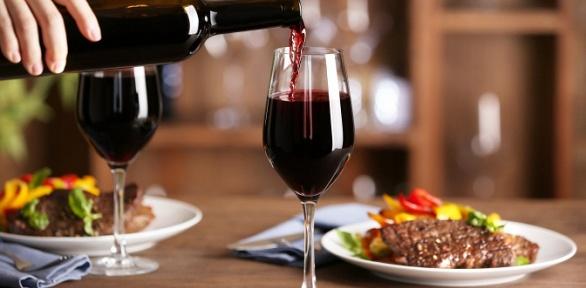 Ужин ибутылка вина для двоих вресторане «Таймс»