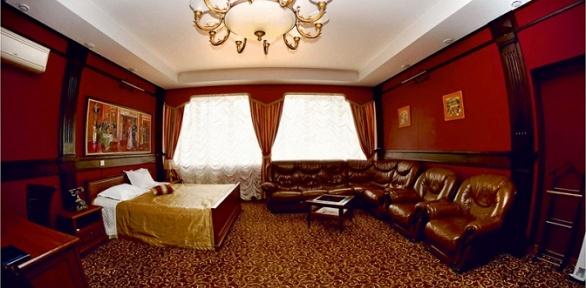 Отдых для одного или компании сзавтраком вотеле «Поручикъ Голицынъ»