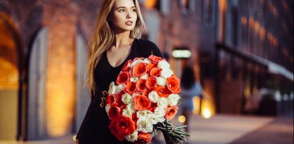 Букет изроз, тюльпанов, ирисов или хризантем
