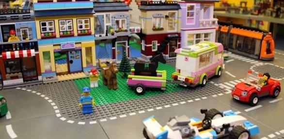 Посещение игрового пространства, мастер-класса всети «Леготека»