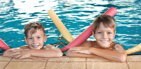 Занятия поплаванию для ребенка вшколе плавания Funny Swim