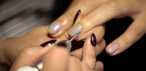 Маникюр, педикюр, моделирование ногтей гелем встудии Favourites Elite Club