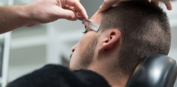 Мужская стрижка имоделирование бороды вбарбершопе «Студия Успенских»