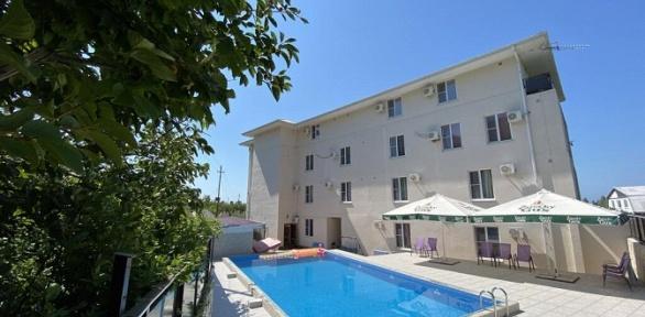 Отдых наберегу Черного моря впарк-отеле «Абхазия»
