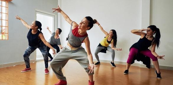 Занятия танцами втанцевальной студии Graal