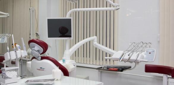 Гигиеническая чистка зубов вклиниках «Лазерная стоматология» и«АлексДент»