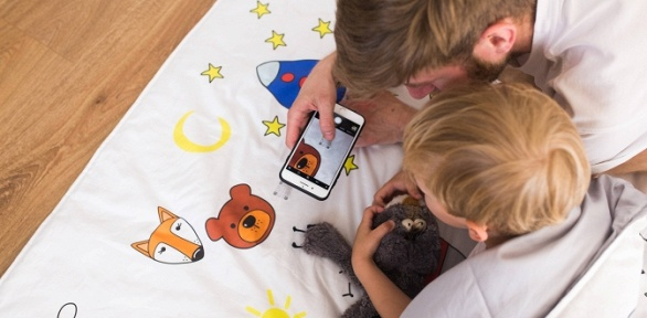 Детское постельное белье или одеяло, рассказывающее сказки поQR-коду