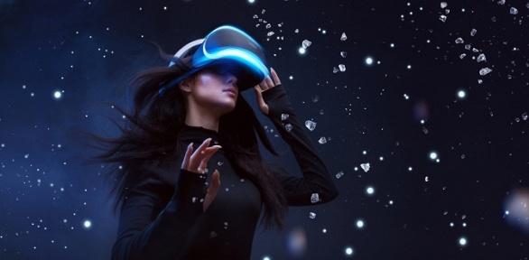 60минут игры вшлеме HTC Vive вклубе виртуальной реальности VRGame