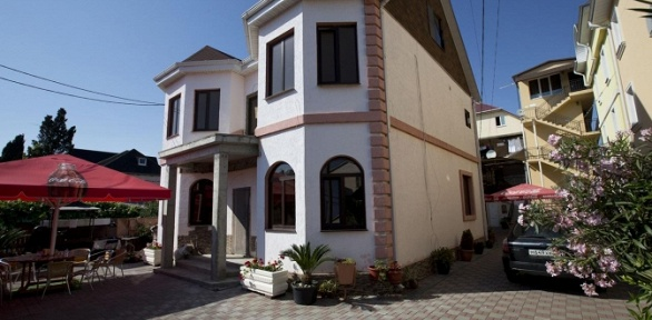 Отдых в Сочи в 2-, 3- или 4-местном номере в гостевом доме «Руссо»