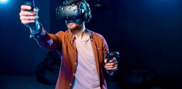 60минут игры вшлеме HTC Vive вклубе виртуальной реальности «Гравити-17»