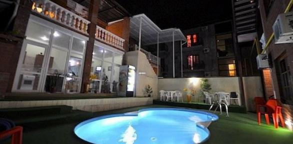 Отдых вГеленджике наберегу Черного моря вгостевом доме «Амиго»