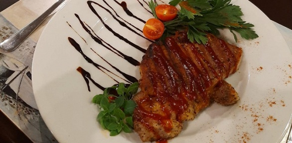 Блюда изменю вкафе «Гайд Парк» заполцены