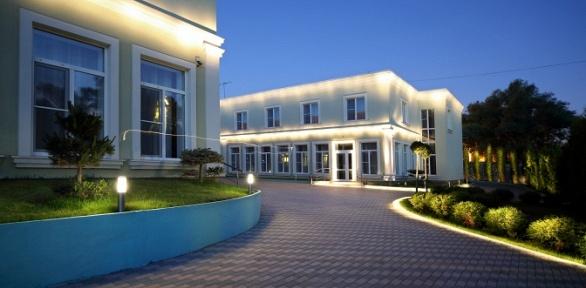 Отдых наберегу реки Пахры в«DeLore Парк Отель Домодедово»