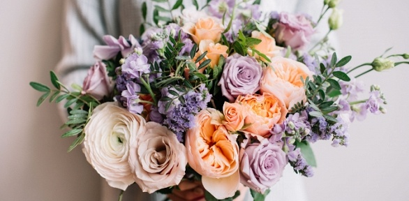 Фруктовые букеты вкоробке, цветы вшляпной коробке или букет