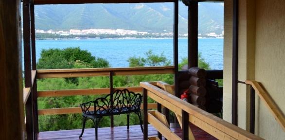 Отдых вГеленджике напервой береговой линии вотеле «Морские террасы»