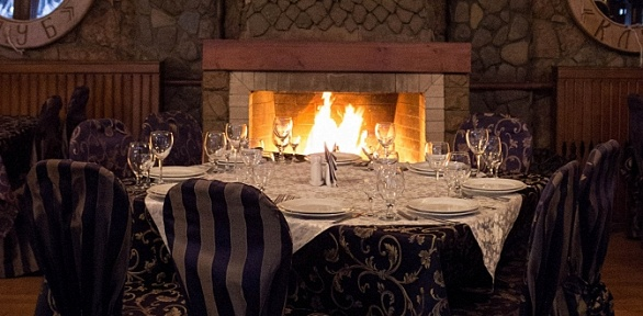 Ужин вкаминном зале для двоих или компании до8человек вресторане «Клуб»