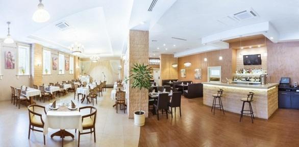 Ужин влетнем кафе ресторана «Империал»