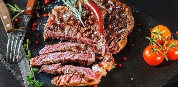 Блюда инапитки навыбор вдвух гриль-барах Meet Meat заполцены