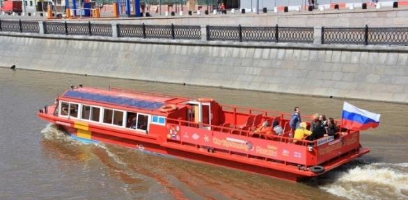Прогулка натеплоходе «Идегей» поМоскве-реке откомпании Boat-Tour