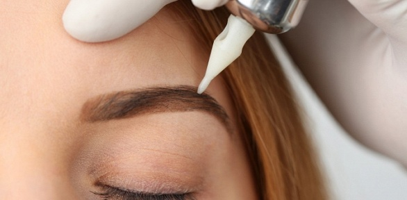 Коррекция, перманентный макияж бровей встудии ТРЦ «Рио»