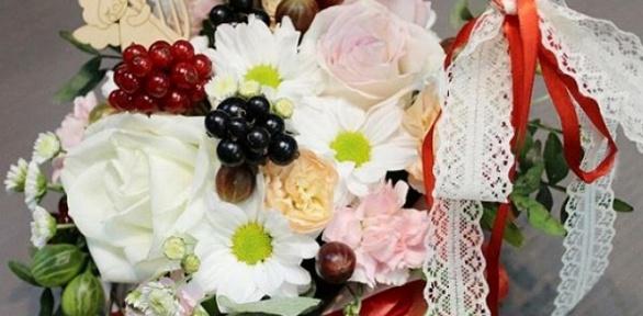 Тематическая цветочная композиция к1Сентября или Дню учителя
