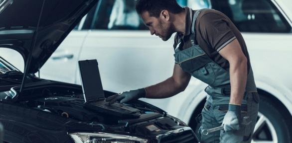 Комплексная диагностика итехническое обслуживание автомобиля вцентре LFA
