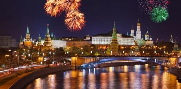 Речная прогулка коДню города Москвы отсудоходной компании «Августина»