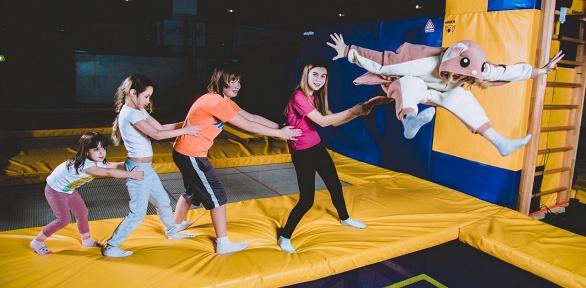 1или 2часа свободных прыжков вбатутном центре JumpWay