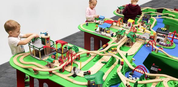 Посещение развивающей детской игровой площадки PlayWood