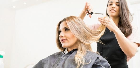 Стрижка, окрашивание, укладка волос всалоне красоты «Камелия»